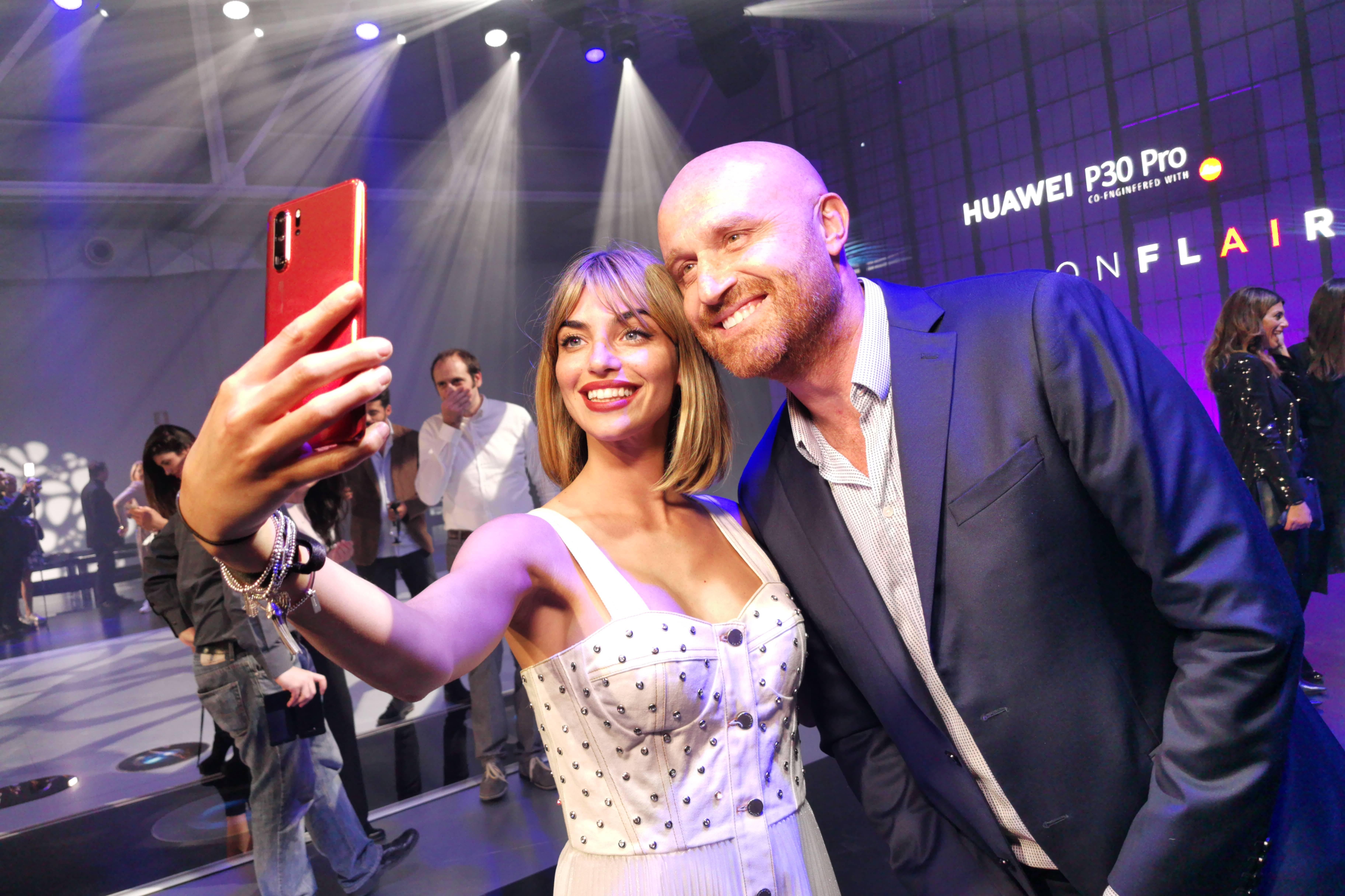 Rudy Zerbi e Nicole Mazzoccato per HUawei